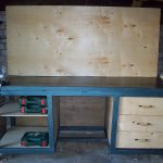 Сварные изделия для гаража. Сварной верстак, держатель полок и антресолей