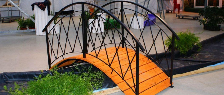 Декоративный мостик садовый сварной