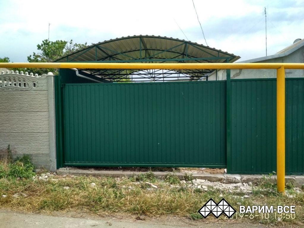 Откатные ворота, навес из профнастила, забор, объект в Угловом, примеры работ