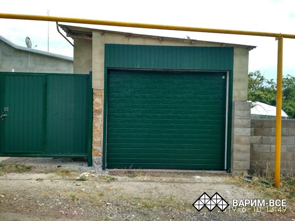 Откатные и секционные ворота, навес из профнастила, забор, объект в Угловом, примеры работ