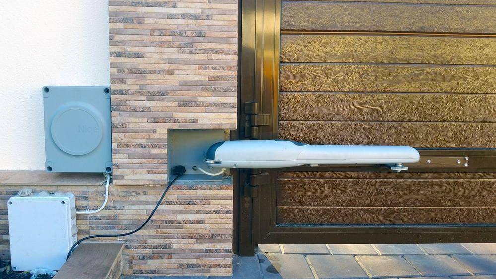 Автоматика для распашных ворот в Симферополе