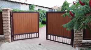 Распашные ворота в Симферополе