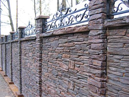 Заборы из камня в Симферополе, Крыму