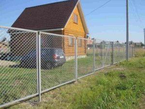Забор из сетки рабицы в Симферополе, Крыму