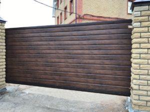 Ворота с заполнением из металлосайдинга